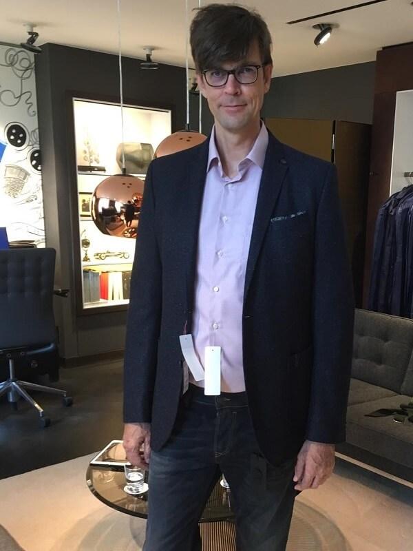бизнес кэжуал лук в джинсах