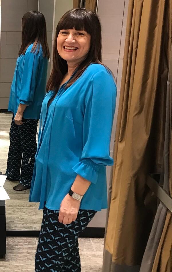 Орнелла яркая блузка шоппинг в Мюнхене