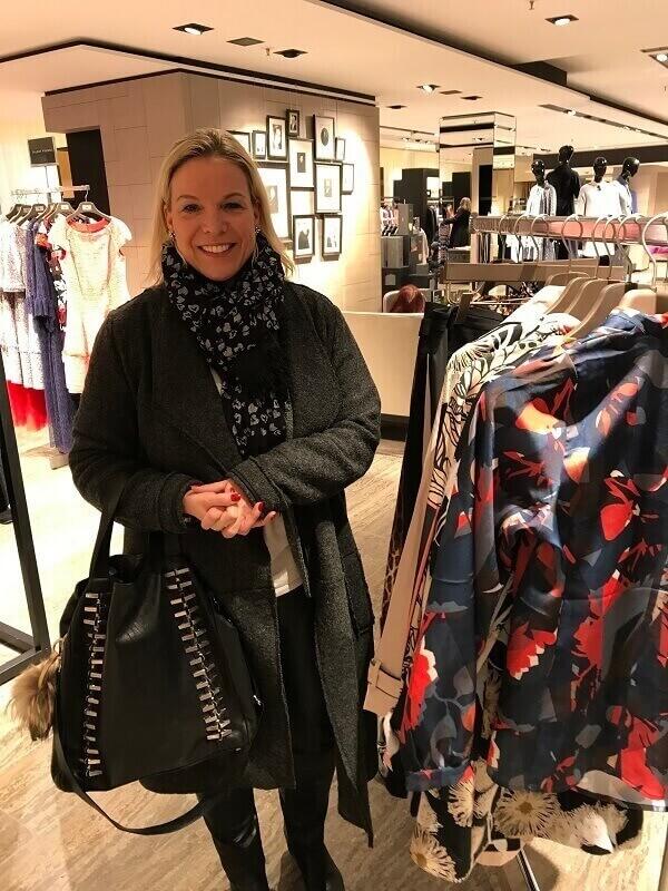 Петра шоппинг в Мюнхене Ludwig Beck