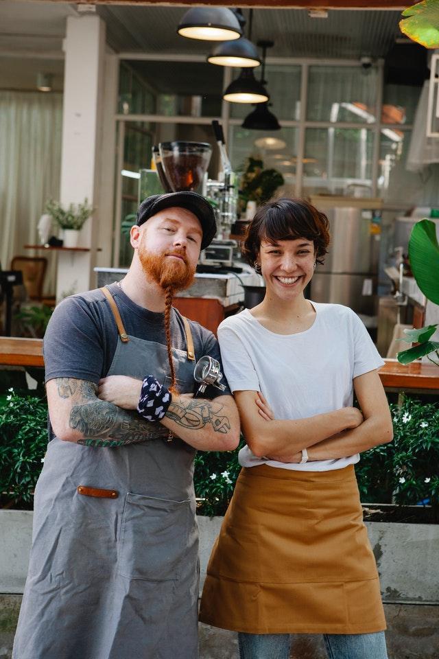 скрещеенные руки фотосессия для кафе