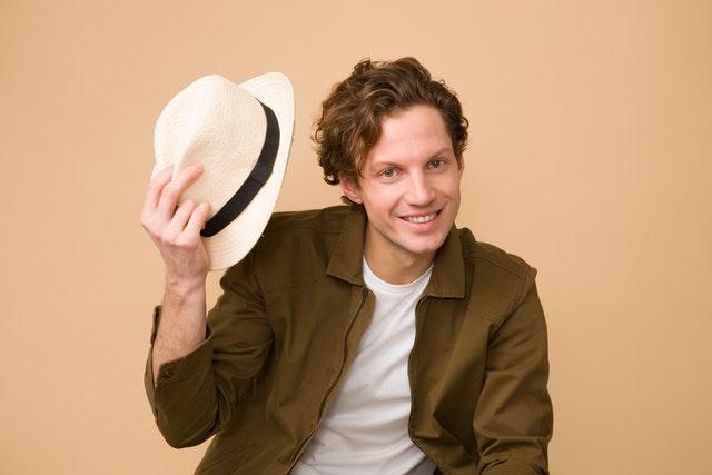 мужчина в шляпе - имидж консультант